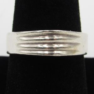 Vintage Size 8.75 Sterling Unique Stylish Ring